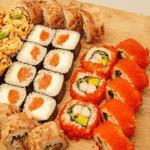 Как проявляется отравление роллами и суши