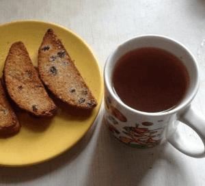 сухари с чаем при отравлении