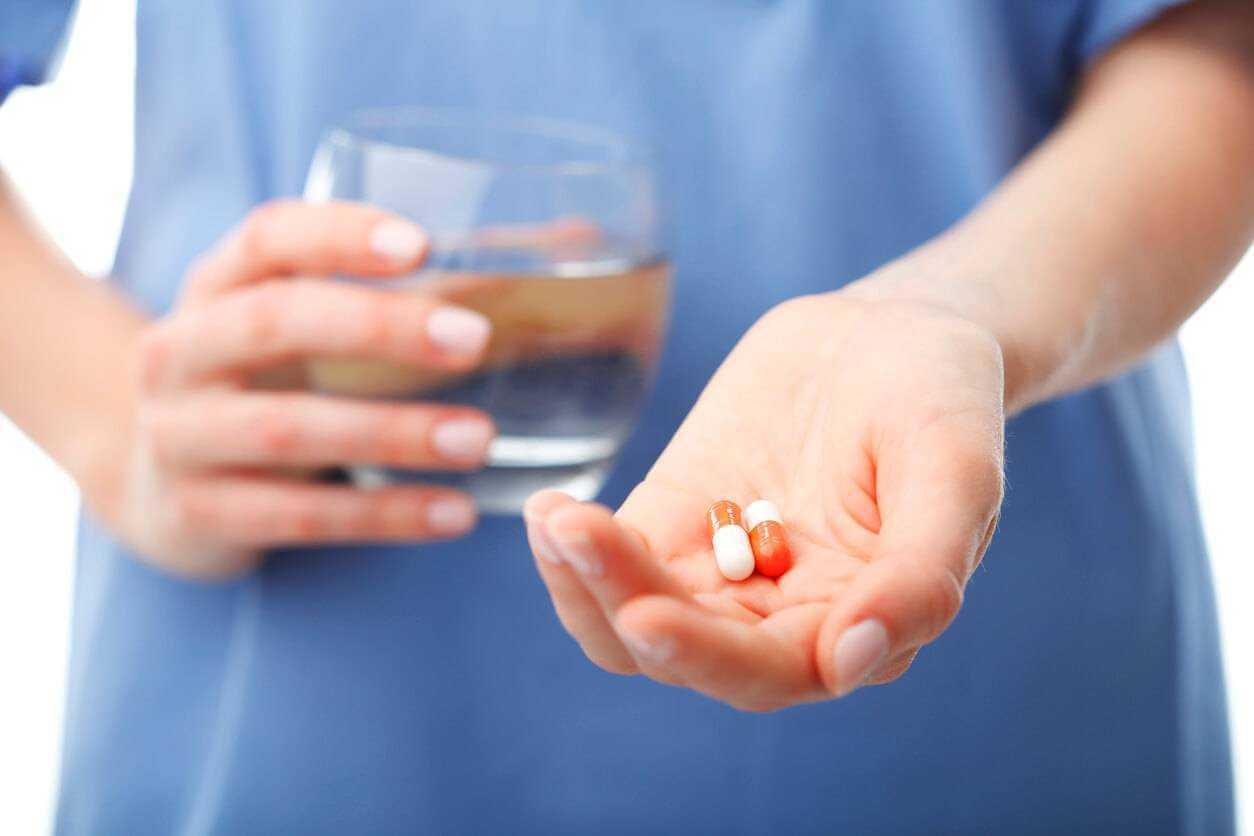 Можно ли принимать левомицетин при поносе? Польза и вред.