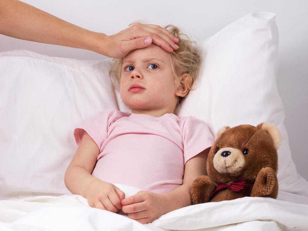 Как помочь ребенку при диарее?