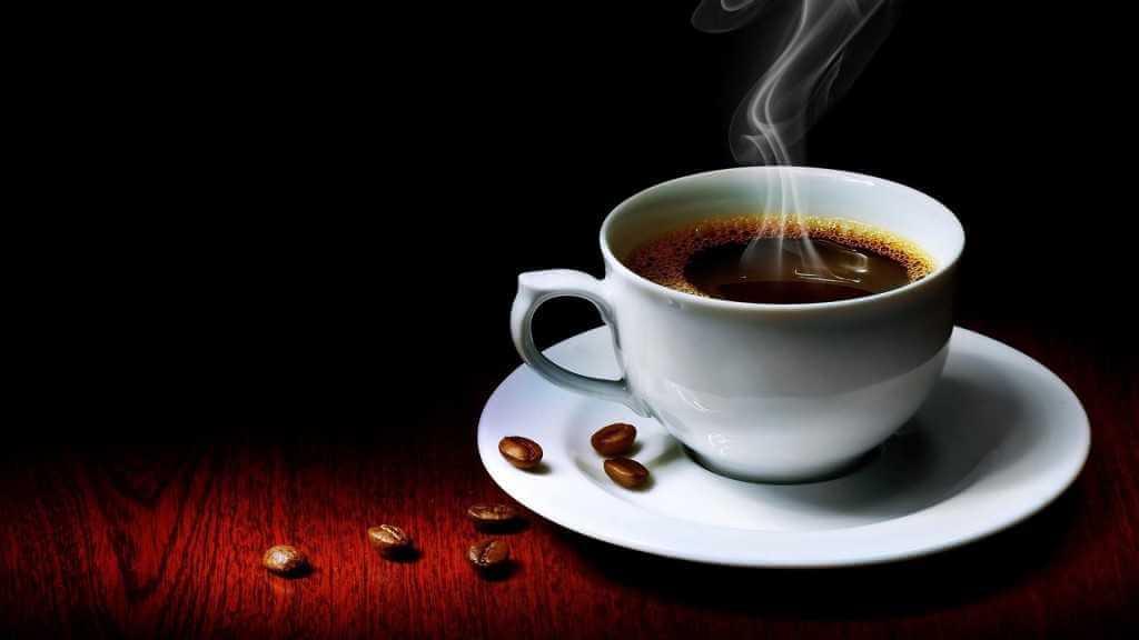 Как кофе влияет на жидкость в организме: задерживает или выводит