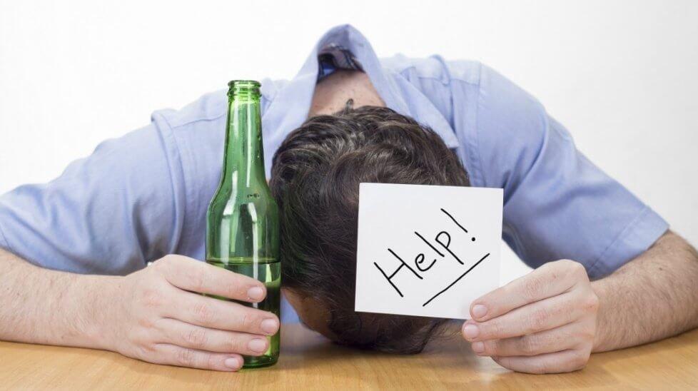 Запой при алкоголизме: понятие, особенности скорой помощи нарколога