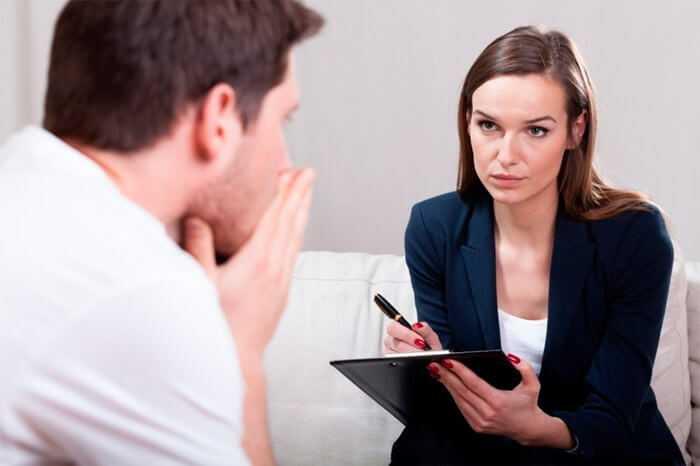 Какими признаками должен обладать этичный психолог? Рекомендации для тех, кто собрался на терапию